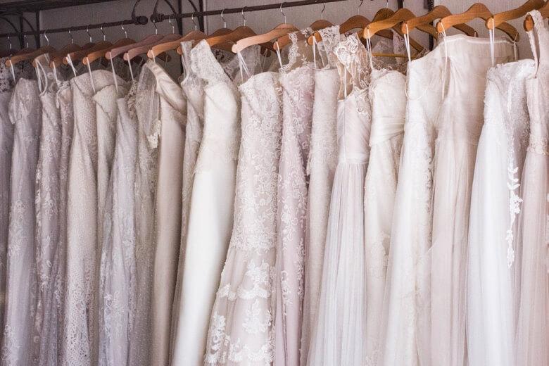 bruidsjurk liegen