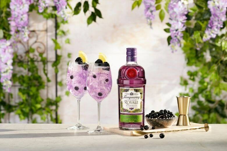 gin-tonic zwarte bessen